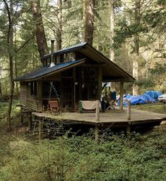Tiny Cabins, Tiny House Cabin, Cabins And Cottages, Tiny House Living, Cabin Homes, Cabin Design, Tiny House Design, Cabins In The Woods, House In The Woods