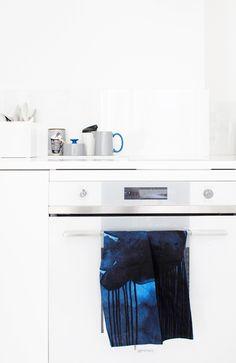 Keittiöpyyhe Kitchen towel for Marimekko (autumn 2013) // Jansen+co milk and sugar // via Varpunen