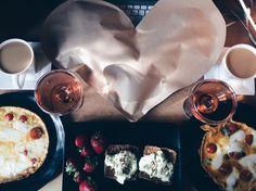 14th anniversary breakfast with mazarella-tomato omlette, bread with avocado, champagne and present