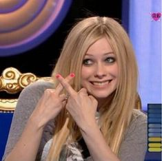 Find images and videos about Avril Lavigne, reaction and reaction picture on We Heart It - the app to get lost in what you love. Taylor Momsen, Taylor Lautner, Odd Molly, Chicas Punk Rock, Princesa Punk, Avril Levigne, Avril Lavigne Style, Emo Princess, Teenage Dirtbag
