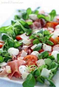 Sałatka po włosku z szynką parmeńską Good Healthy Recipes, Healthy Cooking, Healthy Eating, Pork Recipes, Asian Recipes, Diet Recipes, Ensalada Thai, Food Hacks, Food Inspiration