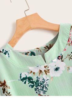 Light blue blouse with flowers - StepUpLadies.net