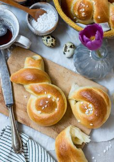 Leavened rabbits yeast desserts for Easter - Klara`s Life Clean Eating Soup, Clean Eating Recipes For Dinner, Clean Eating Breakfast, Quick Healthy Breakfast, Egg Recipes For Breakfast, Homemade Breakfast, Clean Eating Snacks, Brunch Recipes, Easy Egg Recipes