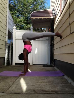 It's all about the angles. L shape for #handstand prep.