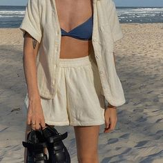 Best Aesthetic Clothes Part 31 Look Fashion, 70s Fashion, Fashion Outfits, Fashion Tips, Egypt Fashion, Korean Fashion, Fashion Beauty, Fashion Websites, Fashion Weeks
