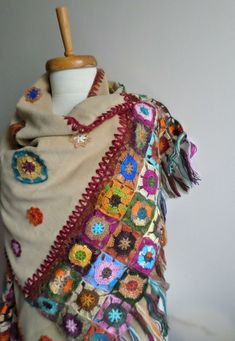 Items similar to Beige Shawl, Crocheted Flowers on Polar Cloth, OOAK, Special Design on Etsy Poncho Au Crochet, Mode Crochet, Knit Or Crochet, Crochet Scarves, Crochet Clothes, Crochet Motifs, Crochet Quilt, Crochet Patterns, Mohair Yarn