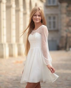 White Dress Winter, Winter Dresses, Winter White, Prom Outfits, Prom Dresses, Wedding Dresses, Communion, Confirmation Dresses, Little White Dresses