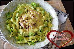Καθώς πλησιάζουν οι γιορτές, αρχίζουμε σιγά σιγά να προγραμματίζουμε τι θα ετοιμάσουμε γι αυτές τις ξεχωριστές μέρες. Στο γιορτινό μας τρ... Light Recipes, Guacamole, Potato Salad, Dips, Cabbage, Potatoes, Mexican, Vegetables, Ethnic Recipes