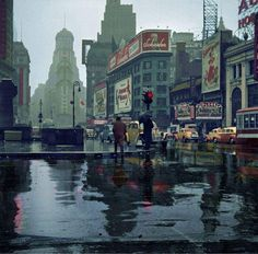 thepastprotracted:  John Vachon  .....Times Square 1943