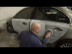 How to Spray Paint a Car.How to Paint Cars with Spray Paint.How to Spray Paint a Car Yourself Truck Repair, Auto Body Repair, Auto Body Work, Car Restoration, Car Tools, Car Tuning, Diy Car, Car Painting, Car Detailing