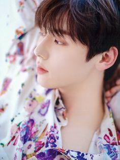 Nu Est Minhyun, Fans Cafe, Yoona, My Sunshine, Korean Singer, Boy Groups, Idol, It Cast, Handsome