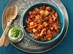 Orientalischer Zimt-Hackfleischtopf mit Rinderhack, Kartoffeln, Möhren und Auberginen
