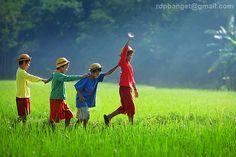 Happy together: Photo by Photographer Rarindra Prakarsa - photo.net