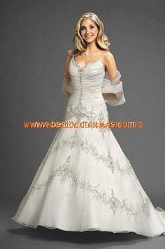 Romantic Bridals Robe de Mariée - Style 7411