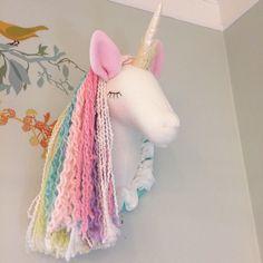 Unicorn Head faux taxidermy pastel unicorn by MainsailStudio Party Unicorn, Unicorn Head, Unicorn Birthday Parties, Rainbow Unicorn, Unicorn Room Decor, Unicorn Bedroom, Girl Room, Girls Bedroom, Unicorn Crafts
