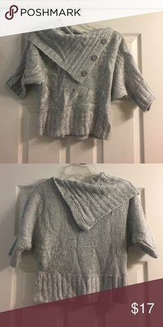 Cropped Sweater This stylish and soft, light gray sweater features a wide collar and elbow-length sleeves. Pair this versatile piece with a pair of black distressed jeans and black booties or a cute fitted skirt and flats! Size Medium, fits true to size. Materials: 100% Acrylic. Only worn once. Derek Heart Sweaters