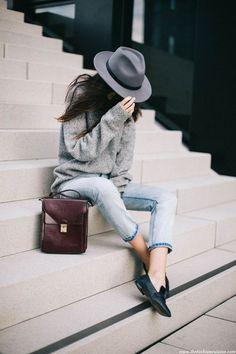 ユニクロメンズのジョガーパンツが現在女子に大人気ですが、その人気の理由やおすすめコーデなどをまとめてみました。