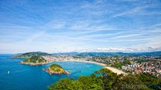 Beautiful white-sand beach opening onto a crescent-shaped bay in San Sebastian, Spain! One of the most beautiful places I've ever been Vacation Places, Vacation Destinations, Vacation Trips, Dream Vacations, Vacation Spots, Places To Travel, Pamplona, Bilbao, Oh The Places You'll Go