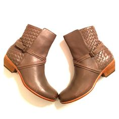 Amazing Joie Boots In amazing condition these 100% authentic brown buckled ankle boots are so fab! Size 39 but could fit an 8.5. Very minor wear on bottoms. Joie Shoes Ankle Boots & Booties