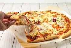 Frozen Pizza, Pizza Restaurant, Crescent Rolls, Prosciutto, Cake Pans, Mozzarella, Vegetable Pizza, Healthy Dinner Recipes, Good Food