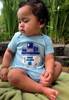 Mi Cielo Baby Bodysuits - An adorable collection of pop culture-inspired baby clothing is now on the market. These Mi Cielo Baby Bodysuits are perfect for the everyday bay s. Star Wars Onesie, Star Wars Gifts, Baby Kids Clothes, Cool Baby Stuff, Baby Bodysuit, Baby Boy Outfits, Baby Love, Cool Kids, Bebe