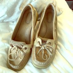 Sperry Top-Sider Light brown. Worn often Sperry Top-Sider Shoes