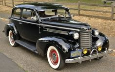 1937 Oldsmobile Six Touring Sedan Vintage Cars, Antique Cars, Vintage Auto, American Auto, General Motors, Dream Garage, Buick, Cadillac, Used Cars