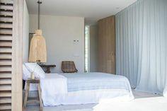 Une maison blanche et bleue à Ibiza | PLANETE DECO a homes world | Bloglovin'
