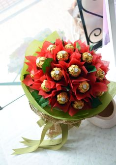 chocolate #candy #bouquet with ferrero rocher + red paper flowers   romantic #gift