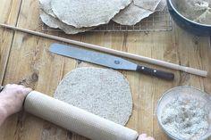Flatbrød kan du lage i mange varianter! Her er oppskrift og gode tips til flatbrød. Tips