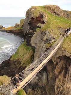 Carrick-a-Rede Bridge - Northern Ireland I could have stayed on that rock for the rest of my life, so breath taking! ahh