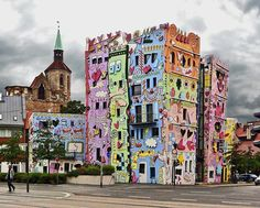 The Happy Rizzi House in Braunschweig, Germany. Designed by James Rizzi, it is sometimes called 'The Happiest House in the World' The Happy Rizzi House in Braunschweig, Germany. Designed by James Rizzi, it is sometimes called Brunswick Germany, The Places Youll Go, Places To Visit, James Rizzi, Art Texture, Culture Art, Happy House, Fun House, House 2