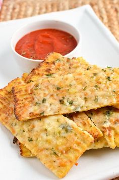 Syn Free Cheesy Cauliflower Garlic Bread - for when you fancy bread without the guilt. Dip in soup, dips or sauces - yum!!
