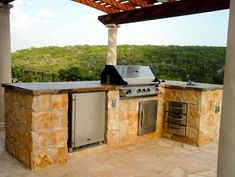 Built In Grill, Outdoor Refrigerator, Sink Outdoor Kitchen GreenScapes Landscaping and Pools Austin, TX