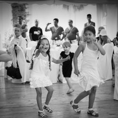 #girl dancing on a #wedding