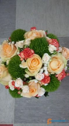 Cvetličarna Vijolica, Aleksandra Vorih s. Floral Wreath, Wreaths, Home Decor, Decoration Home, Room Decor, Bouquet, Flower Band, Interior Decorating, Floral Arrangements