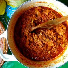 This recipe for tinga de pollo could not be any easier! Even though it has just a few ingredients, it really has alot of flavor! A few years back I prepared a tinga de pollo recipe for a cooking cl… Chicken Tinga Recipe, Pollo Chicken, Real Mexican Food, Mexican Food Recipes, Turkey Recipes, Chicken Recipes, Fideo Recipe, Mexican Bread Pudding, Hispanic Dishes
