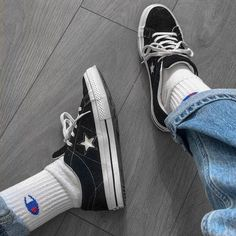 Trendy How To Wear Converse Outfits Sweatshirts Converse One Star, Outfits With Converse, Aesthetic Shoes, Aesthetic Clothes, Urban Aesthetic, Jean Large, Mode Streetwear, Streetwear Shoes, Fashion Clothes
