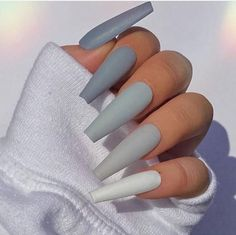 Bling Acrylic Nails, Acrylic Nails Coffin Short, Simple Acrylic Nails, Best Acrylic Nails, Winter Acrylic Nails, Best Nails, Simple Stiletto Nails, Acrylic Nails Pastel, Matte White Nails