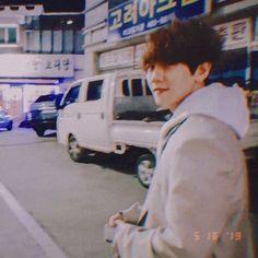 Baekhyun ♡ shared by ;ᴏsᴀʙʜ♡ on We Heart It Exo Ot12, Chanbaek, Exo K, Park Chanyeol, Baekhyun Photoshoot, Jikook, Exo Lockscreen, Exo Members, Kyungsoo