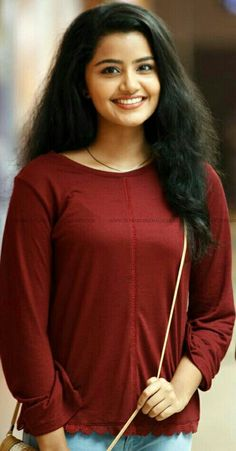 Anupama Parameswaran Actress Photos Stills Gallery Beautiful Bollywood Actress, Beautiful Indian Actress, Beautiful Actresses, Beauty Full Girl, Beauty Women, Anupama Parameswaran, Girls In Panties, Indian Beauty Saree, South Indian Actress