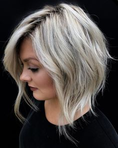 30 Stunning Bob Cuts Perfect for Fall Textured Bob Hairstyles, Blonde Bob Hairstyles, New Short Hairstyles, Summer Hairstyles, Diy Hairstyles, Hair Color And Cut, Cut My Hair, Hair Cuts, 50 Hair