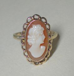 I had this same cameo ring back in the 80's with a matching bracelet. With I still had them!