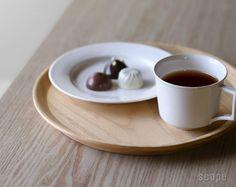 東屋 (あづまや) /  山茶盆(やまさぼん)