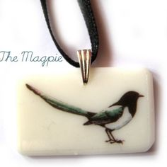 magpie pendent - @Jennifer Sheafer Look how pretty!