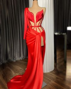 Glam Dresses, Pretty Dresses, Formal Dresses, Evening Dresses With Sleeves, Evening Gowns, Dolce & Gabbana, Elie Saab, Muse, Very Short Dress