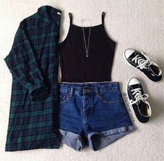 Summer School Outfits 30 Schuloutfits für Mädchen im Sommer Mode - New Ideas Teenage Outfits, Teen Fashion Outfits, Mode Outfits, Short Outfits, Trendy Outfits, Girl Outfits, Fashion Ideas, Fashion Clothes, Girl Fashion