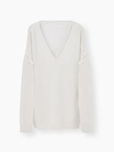 Discover V Neck Sweater and shop online on CHLOE Official Website. 17SMP1717S590