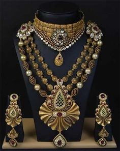 Beautiful And Breathtaking Antique Jewellery Designs - Jewellery Antique Jewellery Designs, Gold Jewellery Design, Antique Jewelry, Gold Jewelry, Vintage Jewelry, Designer Jewellery, Bridal Jewelry, India Jewelry, Gold Bangles