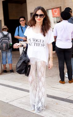 """In Vogue We Trust"" -- Antonela Repetto - - This T-Shirt is everything! Vogue Fashion, High Fashion, Womens Fashion, Yves Saint Laurent, Lace Pants, Vogue Us, Mommy Style, Elegant Outfit, Classy And Fabulous"